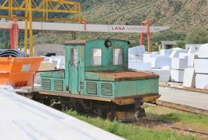 Die Lokomotive der Laaser Marmorbahn im Tal