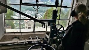 Der Kontrollraum der Schrägseilbahn der Laaser Marmorbahn