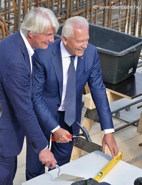 Der Architekt Christoph Ingenhoven und Bahnchef Rüdiger Grube